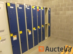 2 Cloakroom Wardrobes 2 x 4 doors, bench and clothes rack