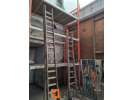 2-large-construction-ladders-7-6m-and-2-9m-1053309G.jpg