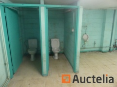 2 Toilets, 2 urinals, 2 sinks, electric boiler