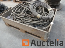 5-electric-cables-1039068G.jpg