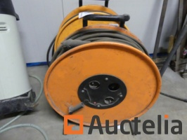 extension-cables-on-reel-1050192G.jpg