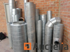 galvanized-ventilation-ducts-of-various-sizes-1048332G.jpg