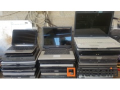 IT lot of 26 old laptops