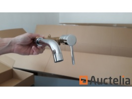 new-stainless-steel-wall-mounted-tap-686169G.jpg