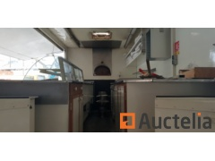 Pizzeria trailer with wood oven