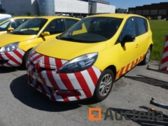 REF: 624-Car Renault Scenic Limited (2015-215.560 km)