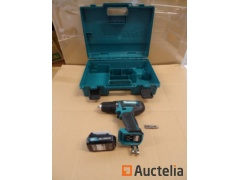 Screw driver on battery in his box-MAKITA DF333D