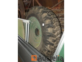 tires-of-tubeless-tractors-mounted-on-rims-nokia-184-r-34-674211G.jpg