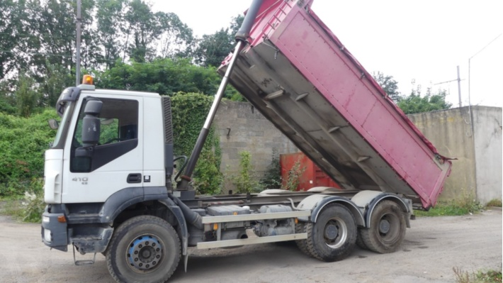 Camions, Containers, outillage