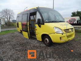 mini-bus-iveco-daily-15-places-830778G.jpg
